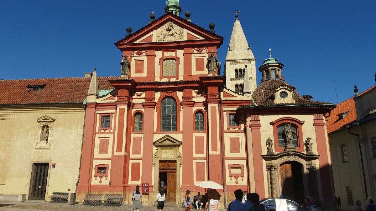 prag-kalesi-aziz-george-katedrali